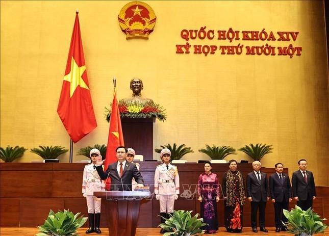 Hình ảnh tân Chủ tịch Quốc hội Vương Đình Huệ tuyên thệ nhậm chức ảnh 8
