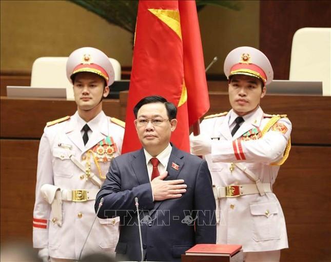 Hình ảnh tân Chủ tịch Quốc hội Vương Đình Huệ tuyên thệ nhậm chức ảnh 9