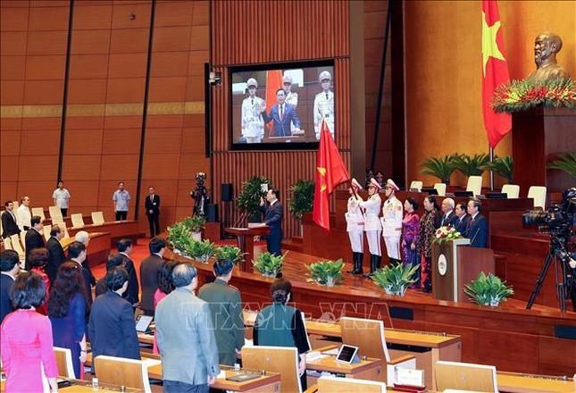 Hình ảnh tân Chủ tịch Quốc hội Vương Đình Huệ tuyên thệ nhậm chức ảnh 10