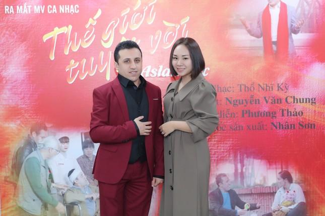 Kỷ niệm về Tết Việt trong MV của ca sĩ Thổ Nhĩ Kỳ ảnh 1