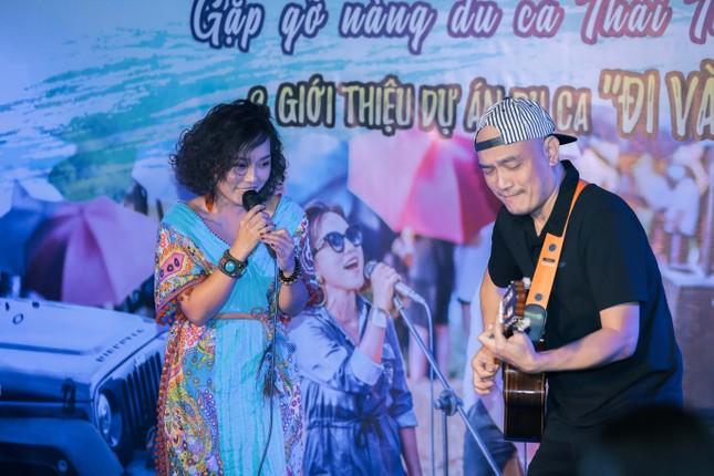 Thái Thùy Linh du ca với xe địa hình ảnh 5