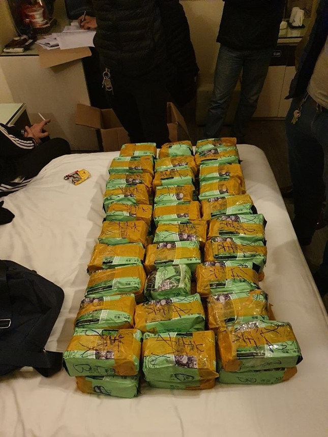 Phá đường dây ma túy xuyên quốc gia, thu gần nửa tấn Ketamin ảnh 2