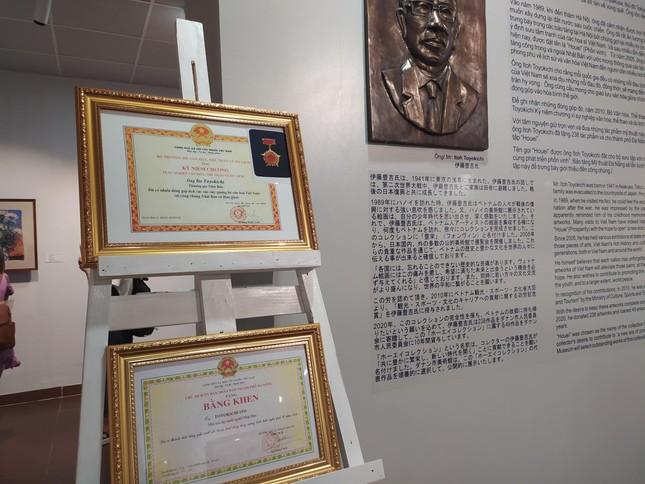 Một nhà sưu tập người Nhật tặng Đà Nẵng 238 bức tranh của các họa sĩ nổi tiếng Việt Nam ảnh 7