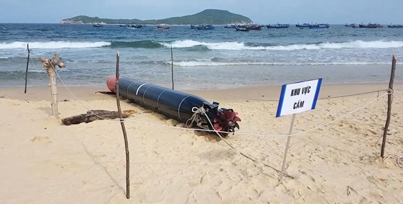 Phát hiện ngư lôi dài gần 7 mét trôi dạt trên biển Phú Yên ảnh 5