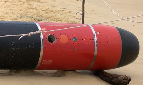 Phát hiện ngư lôi dài gần 7 mét trôi dạt trên biển Phú Yên ảnh 2
