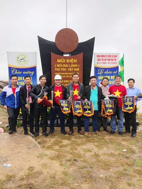 Lễ chào cờ nơi đón ánh bình minh đầu tiên ở Việt Nam ảnh 5