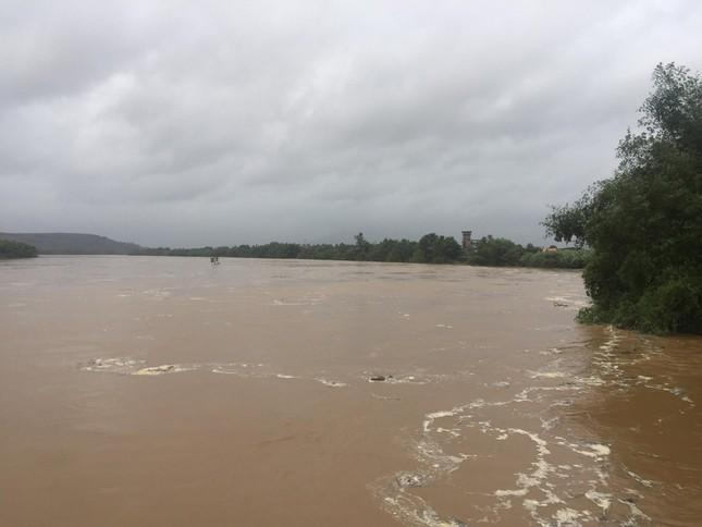Sau bão số 5: Quảng Ngãi hư hại hơn 400 nhà, sóng đánh sập kè ở Bình Định ảnh 8