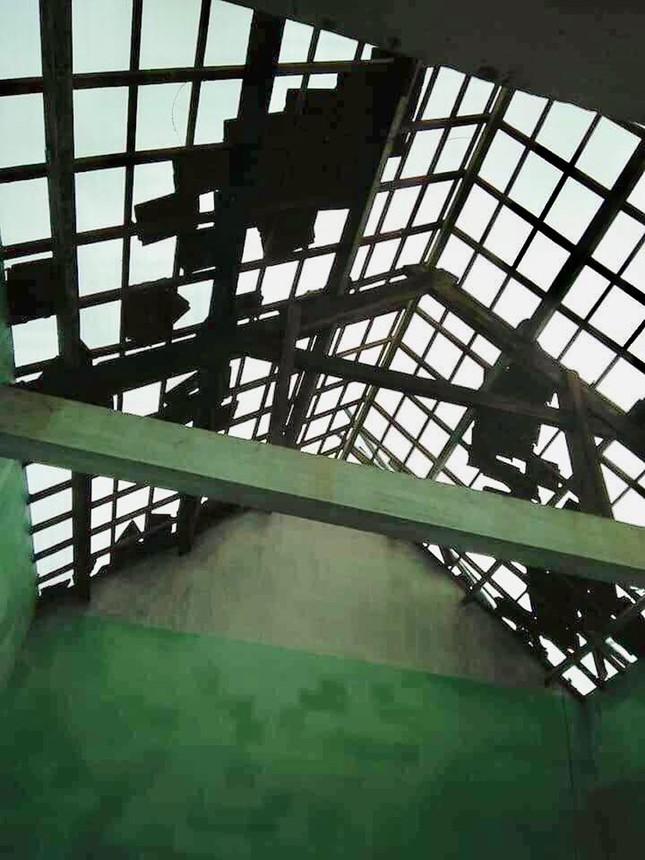 Sau bão số 5: Quảng Ngãi hư hại hơn 400 nhà, sóng đánh sập kè ở Bình Định ảnh 1