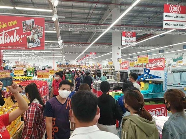 Bất chấp dịch COVID-19, siêu thị ở Quảng Ngãi vẫn tưng bừng khai trương ảnh 2