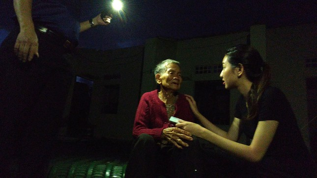 Ban Tổ chức Hoa hậu Việt Nam, báo Tiền Phong mang 'Mái ấm tình thương' đến Quảng Ngãi ảnh 16