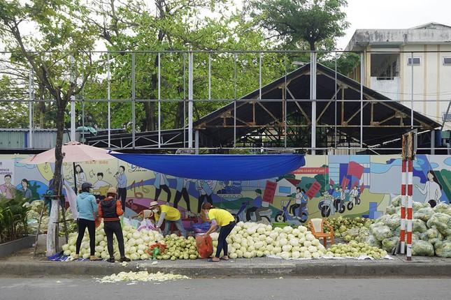 Tình nguyện viên Đà Nẵng giải cứu hàng trăm tấn nông sản Hải Dương ảnh 4