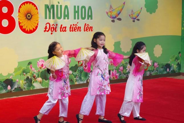 80 mùa hoa - Đội ta tiến lên: Chương trình giáo dục trải nghiệm cho học sinh tiểu học ảnh 4