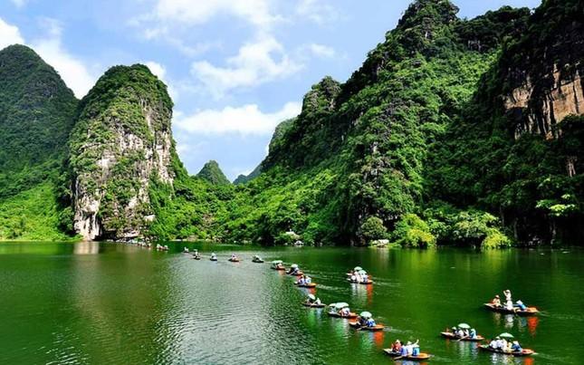 Điểm du lịch dịp nghỉ lễ gần Hà Nội: Săn bướm ở Cúc Phương, ngắm trọn đất trời ở Hang Múa ảnh 15