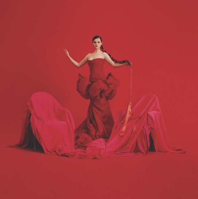 Album mới liên tục lập thành tích cao, fan đồng loạt kêu gọi Selena Gomez đừng giải nghệ ảnh 2