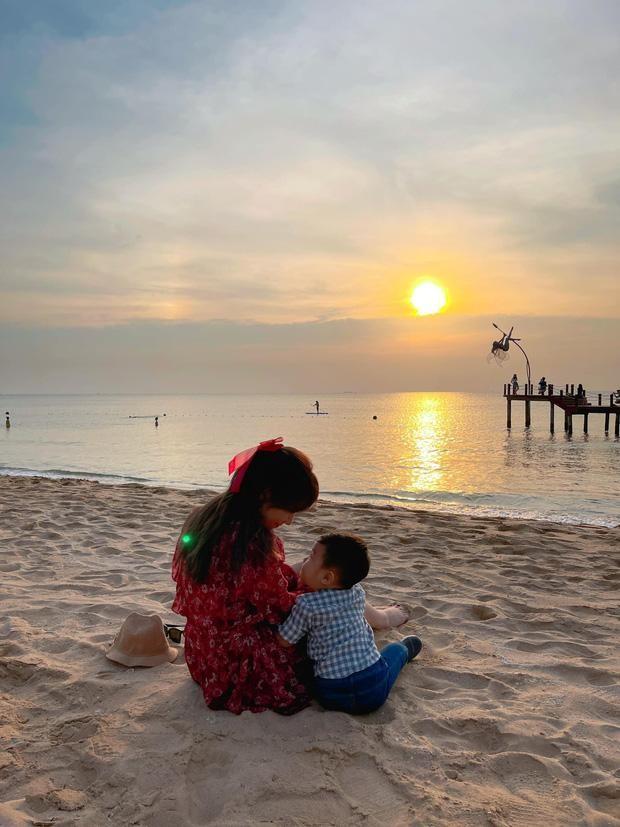 Đàm Thu Trang khoe ảnh con gái lúc mới sinh, Hòa Minzy bày tỏ lý do giấu diện mạo con trai ảnh 5