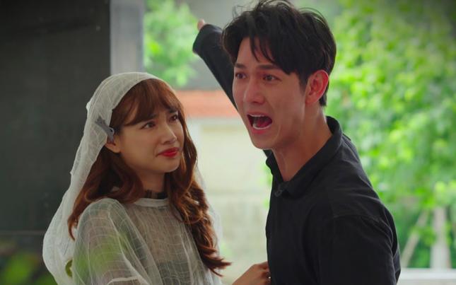 """Song Luân khiến khán giả """"nổi da gà"""" vì diễn xuất nhập tâm trong tập 2 """"Cây Táo Nở Hoa"""" ảnh 1"""