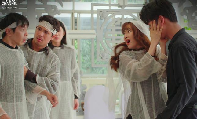 """Song Luân khiến khán giả """"nổi da gà"""" vì diễn xuất nhập tâm trong tập 2 """"Cây Táo Nở Hoa"""" ảnh 3"""