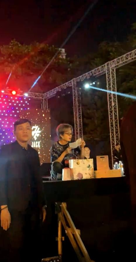 Trước ngày MV mới ra mắt, FC Đom Đóm mua hẳn một ngôi sao để mừng sinh nhật Jack ảnh 4