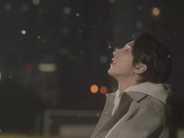 """Sơn Tùng M-TP """"thả xích"""" MV """"Muộn Rồi Mà Sao Còn"""" 7 phút đạt 1 triệu lượt xem ảnh 3"""