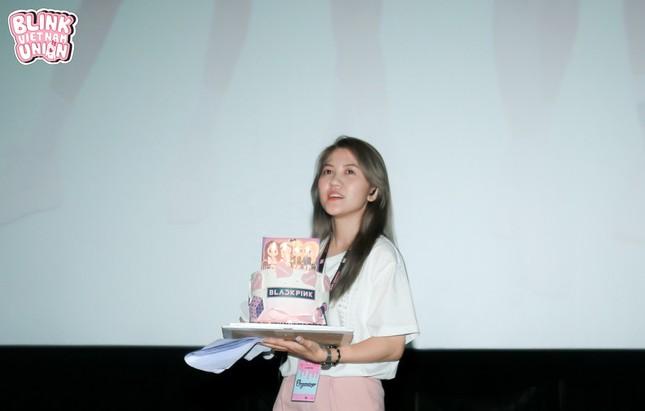 """BLINKs Sài Gòn mừng sinh nhật muộn của BLACKPINK với quy mô """"mini concert"""" ảnh 3"""