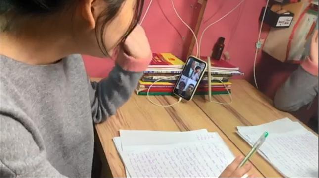 """Học ở nhà vẫn vui trong mùa """"Tết Cô Vy"""": Xuất xưởng MV """"cây nhà lá vườn"""" mặn-bổ-rẻ ảnh 5"""