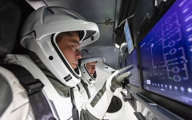 """Tỷ phú Elon Musk sắp phóng tàu vũ trụ nhưng dân tình lại chỉ """"thả tim"""" điều nhỏ xíu này ảnh 7"""