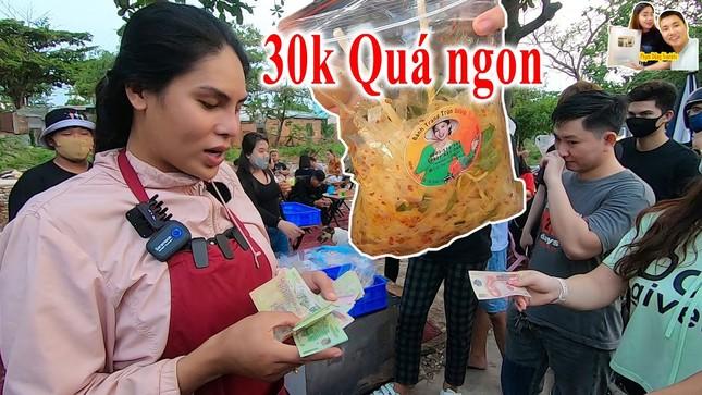 """Chuyện chưa biết về 2 bà chủ Cát Thy - Ty Thy và 2 món ăn vặt """"hot"""" nhất Sài Gòn ảnh 3"""