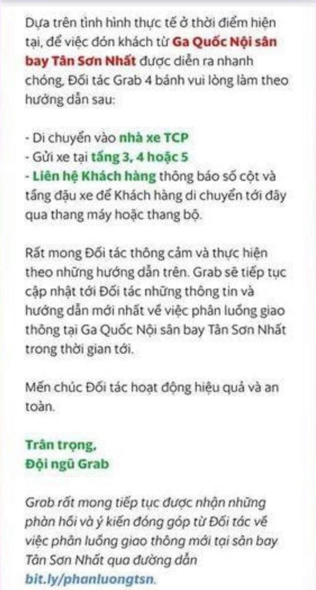 Hạ cánh sân bay Tân Sơn Nhất, hành khách phải leo 4 tầng để bắt Grab và trả phụ phí 50K ảnh 3