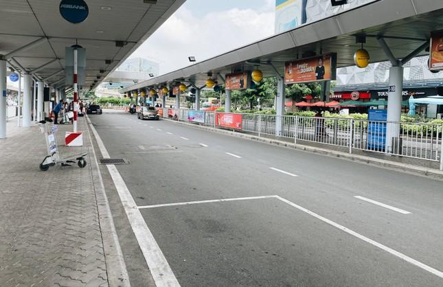 Top 3 cách di chuyển từ sân bay Tân Sơn Nhất về thành phố vừa tiện vừa rẻ, bạn biết chưa? ảnh 1
