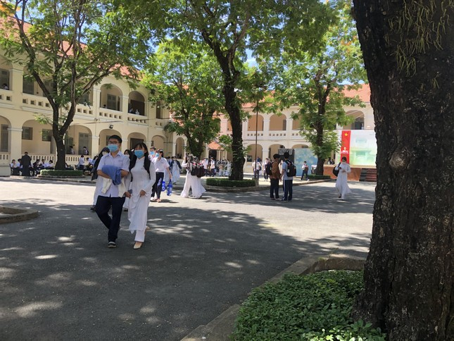 """TP.HCM: 1,7 triệu học sinh quay lại trường học, chính thức chấm dứt """"học kỳ online"""" ảnh 3"""