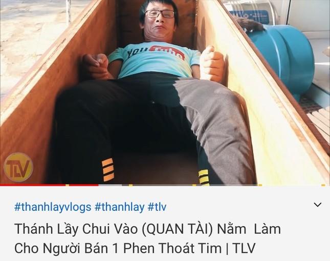 """Clip """"nấu cháo gà nguyên lông"""" chỉ là một trong vô số vlog câu view bất chấp trên YouTube ảnh 6"""
