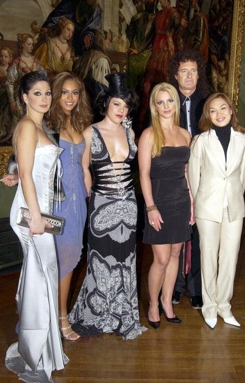 """Bức ảnh cách đây 16 năm của """"chị đẹp"""" Mỹ Tâm: Cuộc hội ngộ của vũ trụ Main Pop Girls là đây chứ đâu! ảnh 2"""
