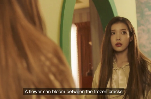 """IU - HyunA đồng loạt comeback, dân tình tấm tắc """"Mỗi người một vẻ, mười phân vẹn mười"""" ảnh 2"""