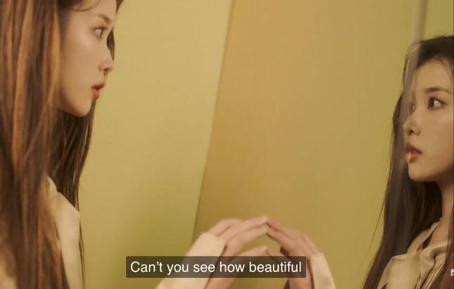 """IU - HyunA đồng loạt comeback, dân tình tấm tắc """"Mỗi người một vẻ, mười phân vẹn mười"""" ảnh 3"""