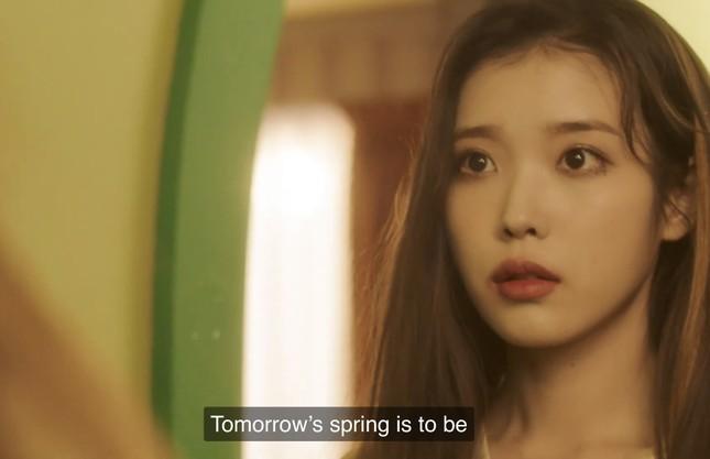 """IU - HyunA đồng loạt comeback, dân tình tấm tắc """"Mỗi người một vẻ, mười phân vẹn mười"""" ảnh 4"""