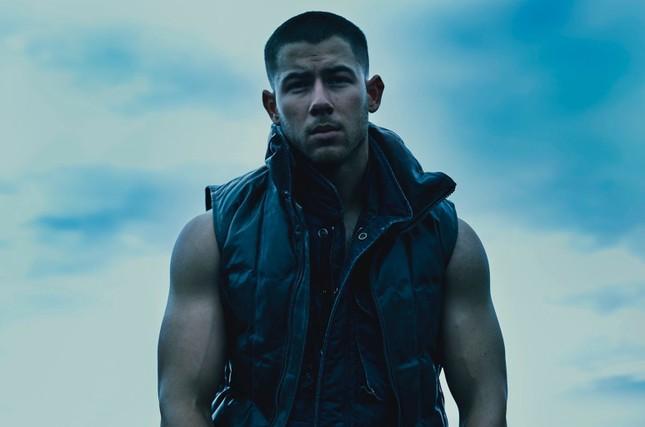 """Lãng mạn như Nick Jonas: Vừa phát hành đĩa đơn đã vội quay sang """"dỗ ngọt"""" vợ bằng album mới nhất ảnh 1"""
