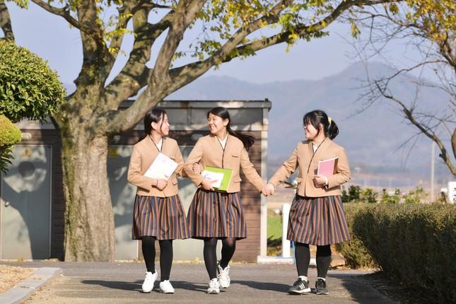 Hàn Quốc: Nhiều trường cho học sinh mặc đồng phục lấy cảm hứng từ hanbok từ tháng 11 ảnh 3