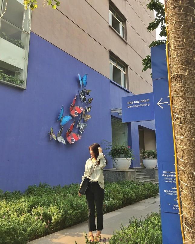 """Đại học Thăng Long ngập tràn không khí Giáng sinh sớm, hội sinh viên tha hồ """"sống ảo"""" ảnh 11"""