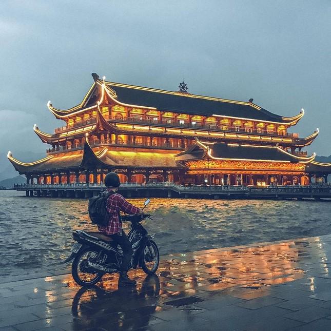 Du Xuân đầu năm tại ngôi chùa lớn nhất Việt Nam, phong cảnh yên bình và đẹp như một thước phim điện ảnh ảnh 11
