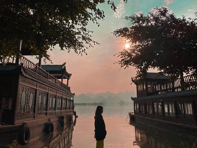 Du Xuân đầu năm tại ngôi chùa lớn nhất Việt Nam, phong cảnh yên bình và đẹp như một thước phim điện ảnh ảnh 4