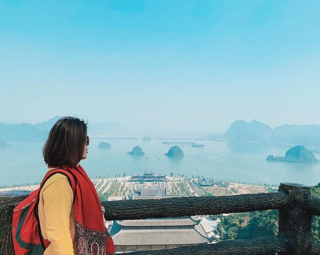 Du Xuân đầu năm tại ngôi chùa lớn nhất Việt Nam, phong cảnh yên bình và đẹp như một thước phim điện ảnh ảnh 8