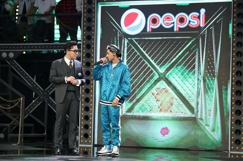 """Lộ diện thêm """"hit maker"""" và thí sinh nữ đầu tiên ở """"Rap Việt"""" với thành tích đáng dè chừng ảnh 2"""