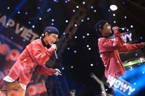 """""""Rap Việt"""" lập kỷ lục truyền hình mới sau khi thu hút hơn 700.000 lượt xem cùng lúc ảnh 7"""