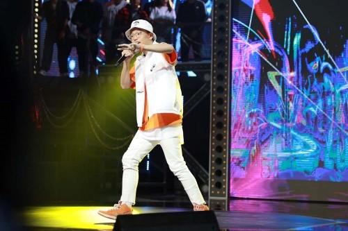 """""""Rap Việt"""" lập kỷ lục truyền hình mới sau khi thu hút hơn 700.000 lượt xem cùng lúc ảnh 5"""