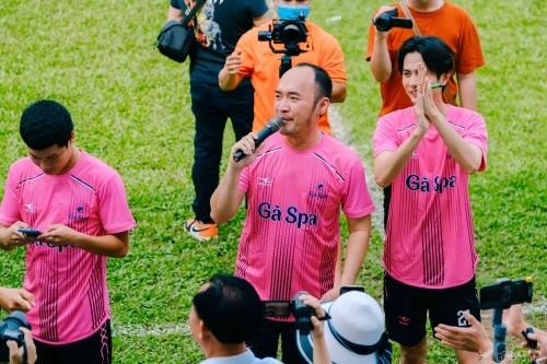Nghệ sĩ Tiến Luật, ca sĩ Hồ Việt Trung gom sao đá bóng gây quỹ hướng về miền Trung ảnh 3