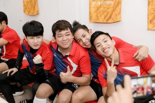 Jack ủng hộ đồng bào miền Trung 250 triệu đồng, ghi bàn chiến thắng đội Quang Hải ảnh 3