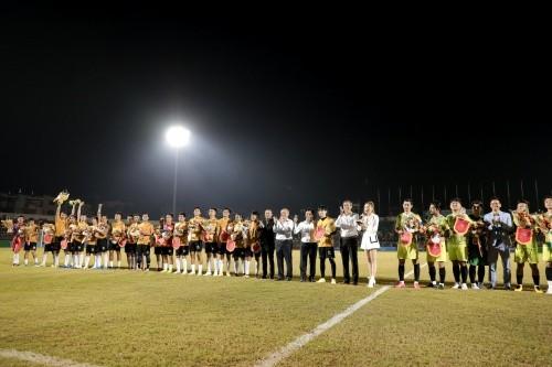 Jack ủng hộ đồng bào miền Trung 250 triệu đồng, ghi bàn chiến thắng đội Quang Hải ảnh 4