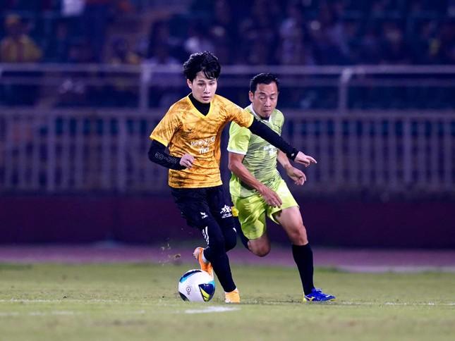 Jack ủng hộ đồng bào miền Trung 250 triệu đồng, ghi bàn chiến thắng đội Quang Hải ảnh 6