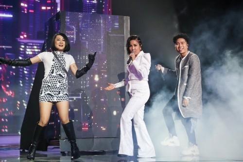 """Chung kết King Of Rap: Diva Mỹ Linh mang """"hit bự"""" 20 năm chơi hết mình cùng Right - Tuimi ảnh 4"""