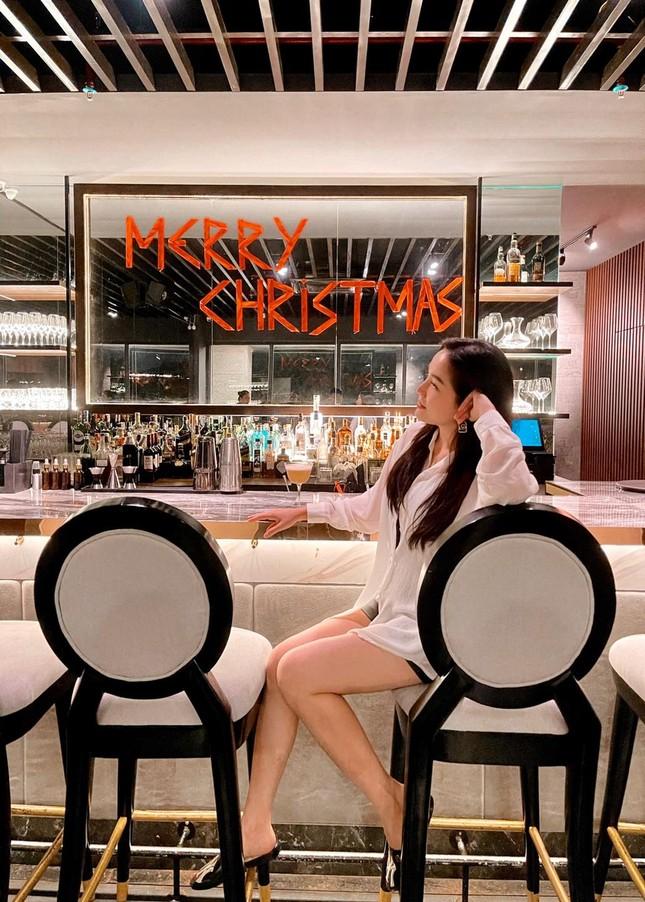 Sao Việt nô nức khoe ảnh trang hoàng nhà cửa lung linh chào đón Giáng sinh 2020 ảnh 1